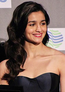 Alia Bhatt at the IIFA Awards 2017 (2) (cropped).jpg