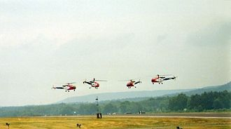 Helikopter-Streichquartett - The Dutch Grasshoppers aerobatics team, flying the Alouette helicopters they used in the world premiere of the Helicopter String Quartet