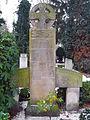 Alwine 1853-1922, Karl Mohrmann 1857-1927 Geh. Baurat Prof. Dr. Ing., Hildegard geb. von Perbandt 1898-1990, Bernward 1895-1977 Grabmal Neuer St. Nikolai-Friedhof Hannover, 1a.JPG
