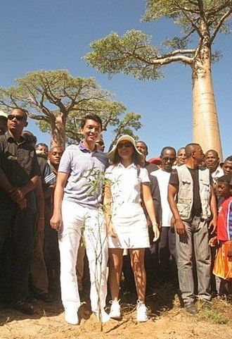 First Lady of Madagascar - Image: Andry et Mialy Rajoelina, allée des Baobabs, 22 avril 2012