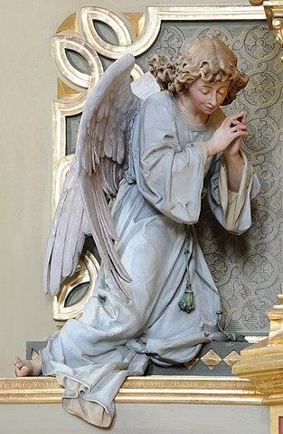 Angel-left-Crepaz.jpg