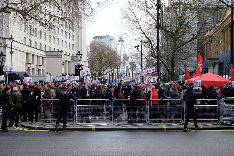 File:Anti-David Cameron protest 01.jpg