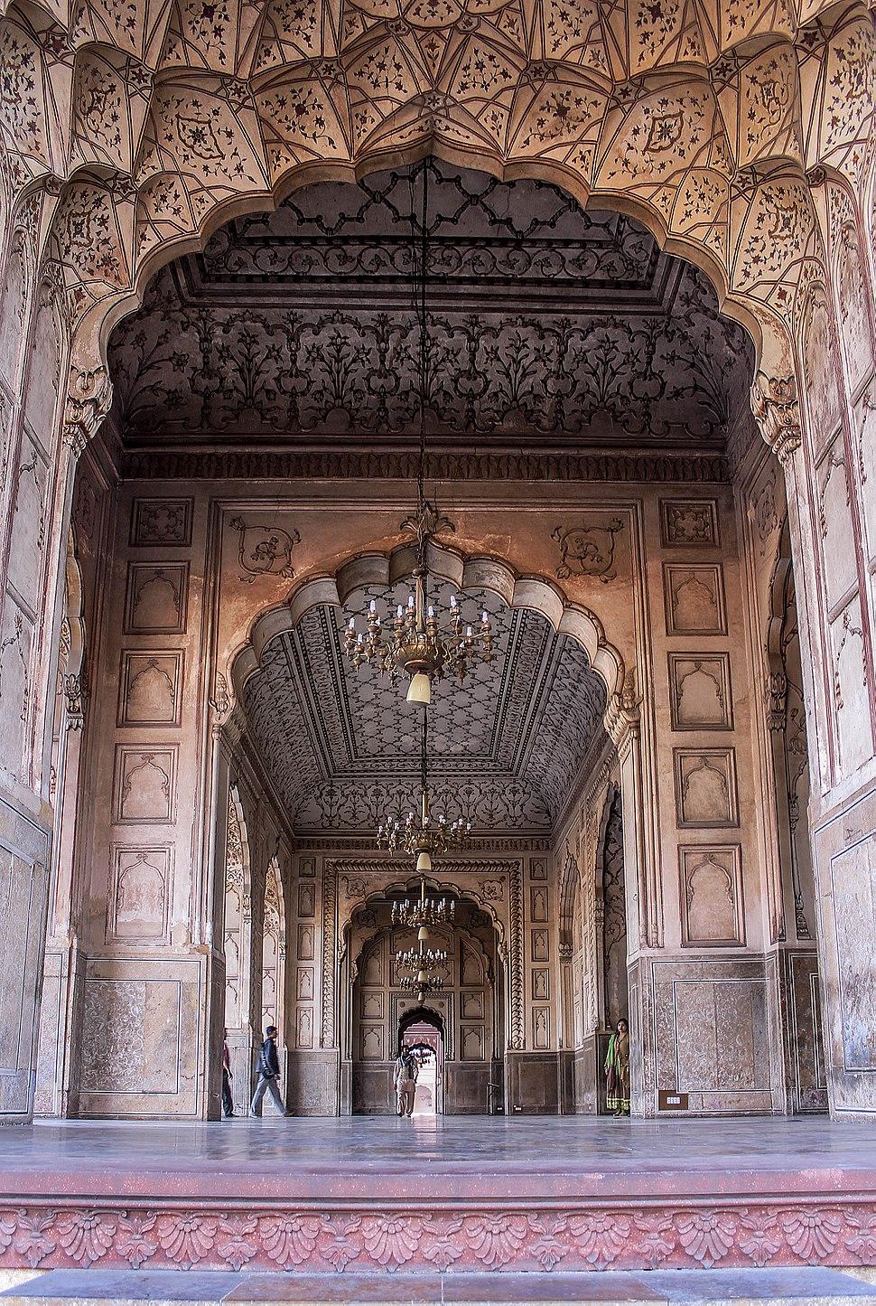 Antique wrok walls in badshahi mosque