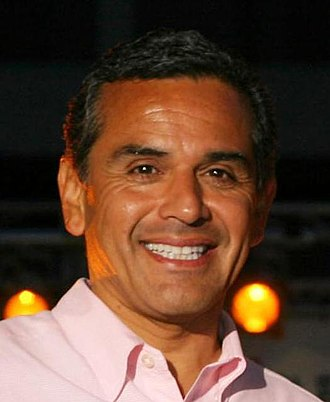 2001 Los Angeles mayoral election - Image: Antonio Villaraigosa portrait (cropped)