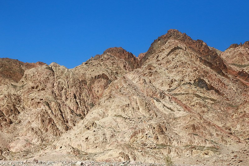 File:Aqaba Mountains - panoramio (12).jpg