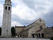 Basilica patriarcale di Aquileia, del cui Camerlengo, nel secolo XV, Maestro Martino da Como fu cuoco personale.