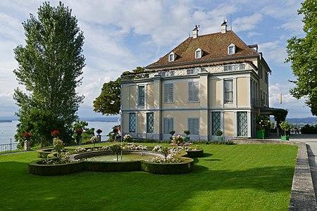 Arenenberg mit Barockgarten.jpg