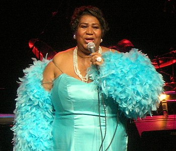 English: Picture of Aretha Franklin performing...