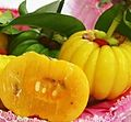 Assam-gelugar-fruit-cut-in-half.jpg