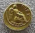 Augusto, aureo con Vittoria seduta a destra su globo.JPG