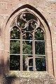 Bad Herrenalb - Klosterkirche - Blick durch gotisches Fenster auf Wunderkiefer 1.jpg