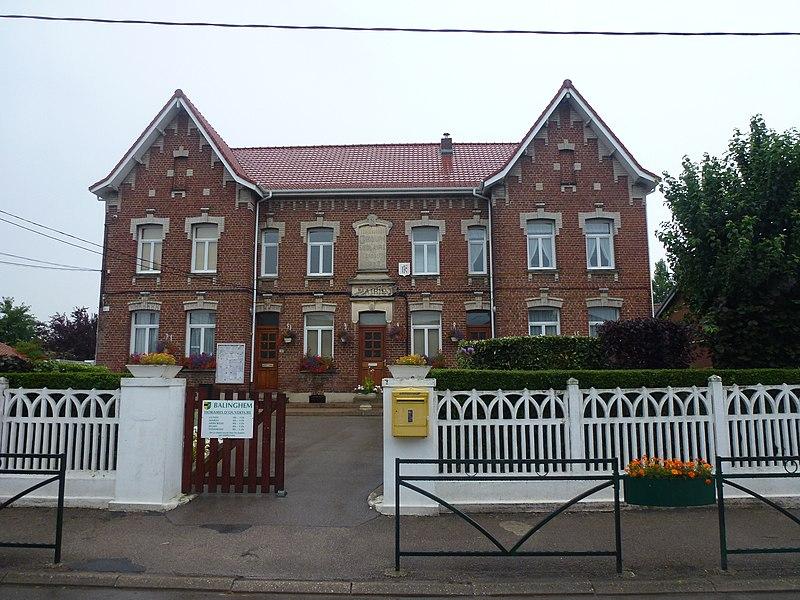 Balinghem (Pas-de-Calais) mairie + école