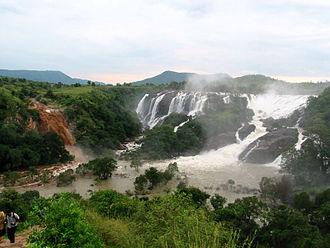 Shivanasamudra Falls - Image: Barachukki a revelation