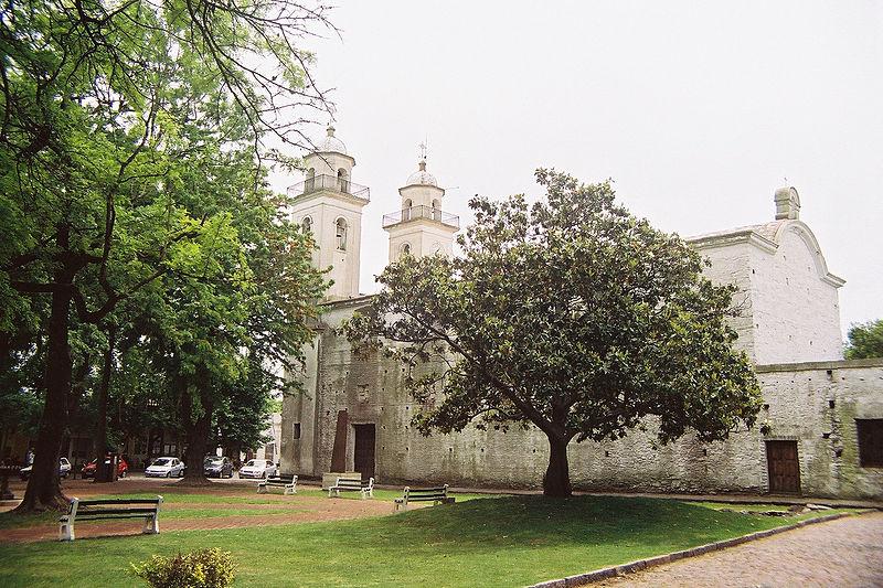 Visitar igrejas em Colônia del Sacramento