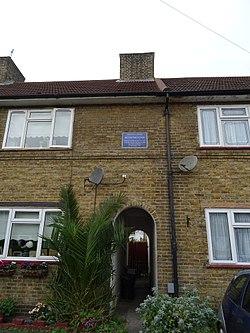 Photo of Blue plaque № 9800