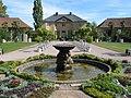 Belvedere - Orangerie mit Delphinbrunnen - panoramio.jpg