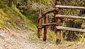 Bergtocht van Homene Dessus naar Vens in Valle d'Aosta (1708m). Beveiliging gevaarlijke passage in bergpad 03.jpg