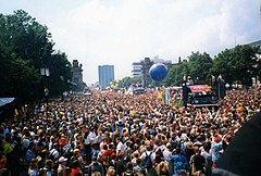 Berlino Love Parade 1998.jpg