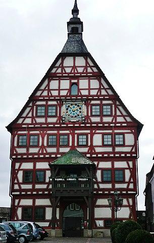 File besigheim fachwerk rathaus erbaut 1459 als kaufhaus for Fachwerk wiki