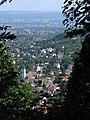 Blick vom Schlossberg auf Freiburg, im Vordergrund St. Urban in Herdern.jpg