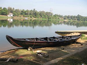 Boats in periyar.JPG