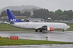 Boeing 737-883 'LN-RPM' Scandinavian Airlines System (42999714050).jpg