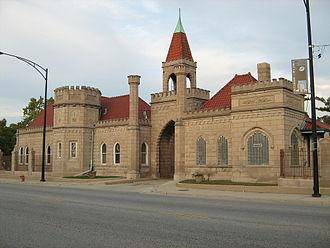 Bohemian National Cemetery (Chicago, Illinois) - Entrance to Bohemian National Cemetery