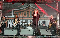 Bonfire während der Nothing at all - 30th Anniversary Tour bei den Hamburg Harley Days 2016