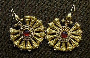 Boucles d'oreilles 3ème siècle Musée de Laon 030208