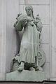 Bratislava skulptura Komenskeho namestie12.jpg