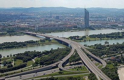 So kommt man zu der Brigittenauer Brücke mit den Öffentlichen - Mehr zum Ort Hier