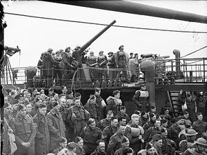 British naval guns WWII Harstad IWM N 133.jpg