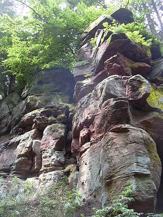 Schwarzbach (Blies) - Image: Buntsandsteinfelsen Heidelsburg
