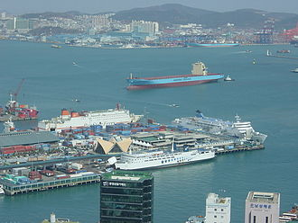 Port of Busan - Image: Busan port from Busan tower 2
