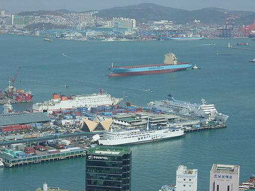 Busan-port-from-Busan-tower-2