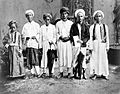 COLLECTIE TROPENMUSEUM Mekkagangers uit Ambon Key en Banda (Molukken) in het Nederlandse Consulaat in Jeddah Saoedi Arabië TMnr 10001261.jpg