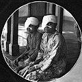COLLECTIE TROPENMUSEUM Patiënten van het William Booth Hospitaal voor Oogziekten van het Leger des Heils te Semarang TMnr 60011648.jpg