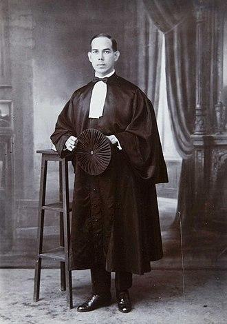 Bangil - Studio portrait of Henri Edmund Boissevain, the president of the Bangil Land Council in judicial gown,  August 18, 1924