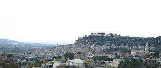 Cadenet - View of Cadenet from the East