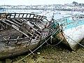 Camaret, vieilles barques de pêche, cimetière des bâteaux - panoramio.jpg