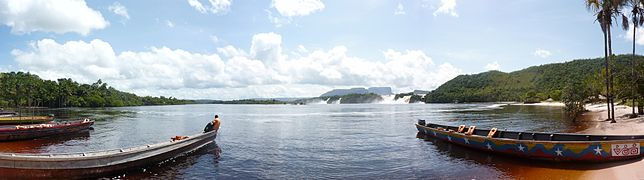 Canaima panoramic.jpg