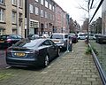 Cars in the city- electric, Amsterdam (33330608512).jpg