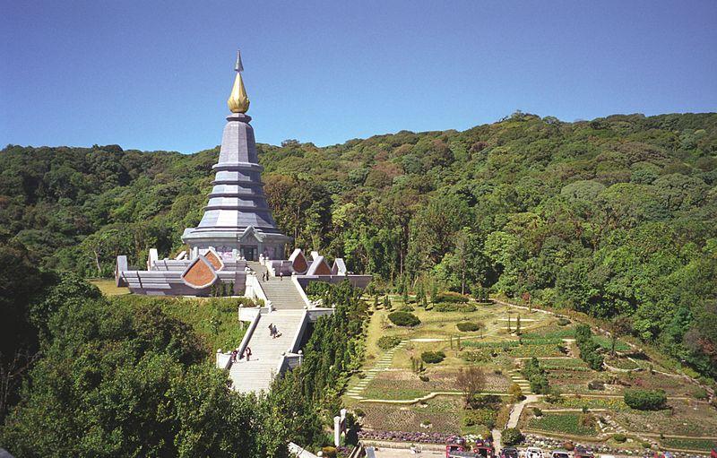 File:Chedi Doi Inthanon Chiang Mai Thailand.jpg