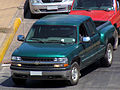 Chevrolet 1500 Silverado LS Sidestep 2001 (13155543185).jpg