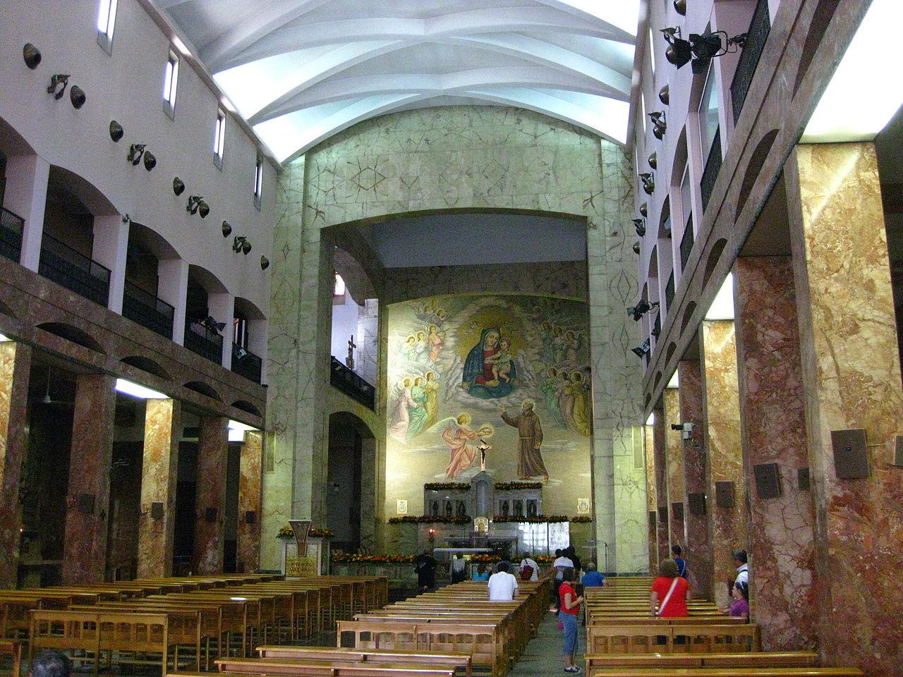 Archivo chiesa di santa maria delle grazie interno san for Interno a un convento