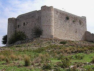 Chlemoutsi - The keep seen from the southern outer ward