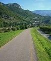 Ciclabile Valle dell'Adige nei pressi di Nomi (TN).jpg