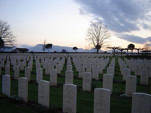 Cassino War Cemetery - Image: Cimitero Commonwealth Cassino 1