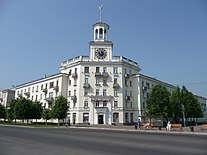 Clock tower in Zheleznogorsk, Krasnoyarsk Krai.jpg
