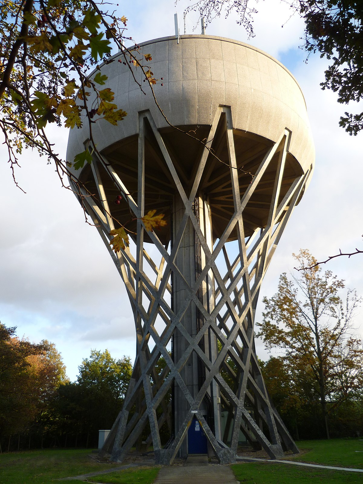 Cockfosters Water Tower - Wikipedia